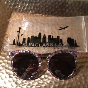 Zerouv Women's Oversized Cat Eye Sunglasses